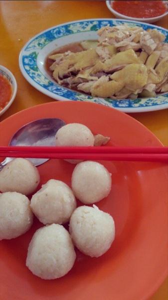 what to eat for breakfast in melaka chicken rice ba;;