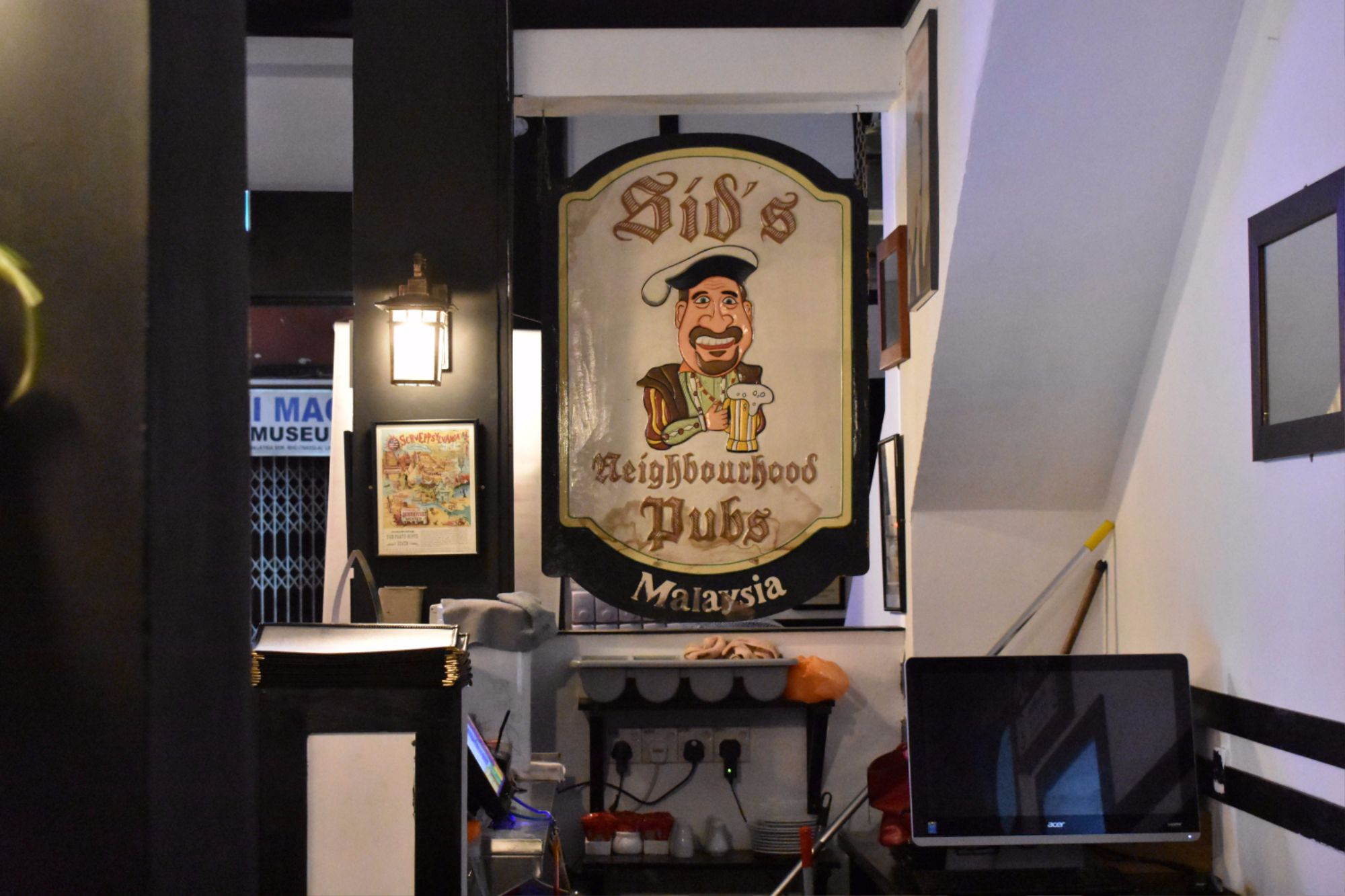 sid's pub jonker street malacca
