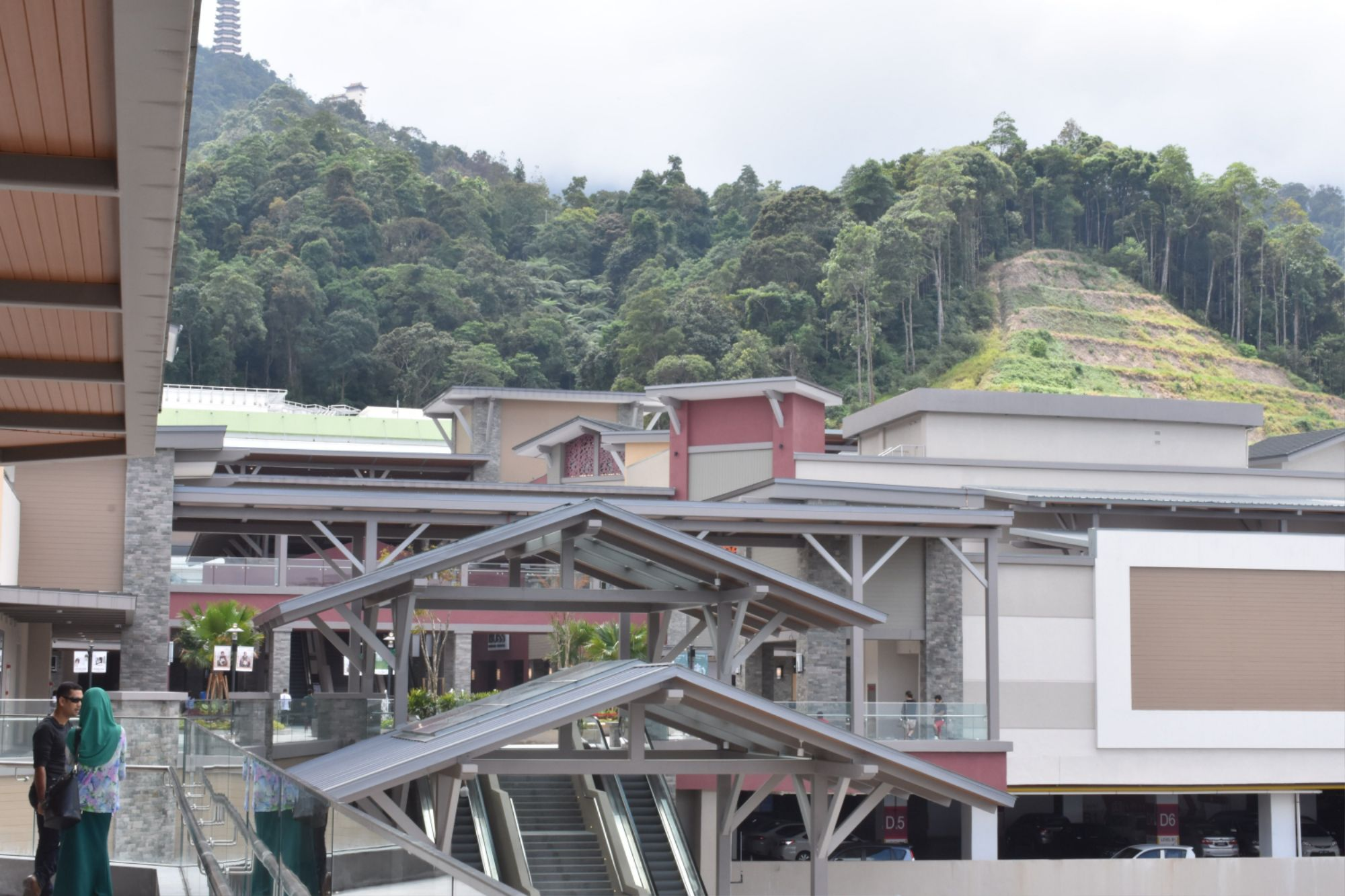 genting highlands premium outlets cool weather