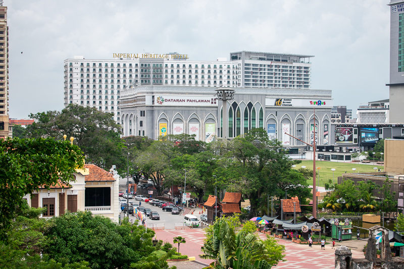 malacca attractions - shopping