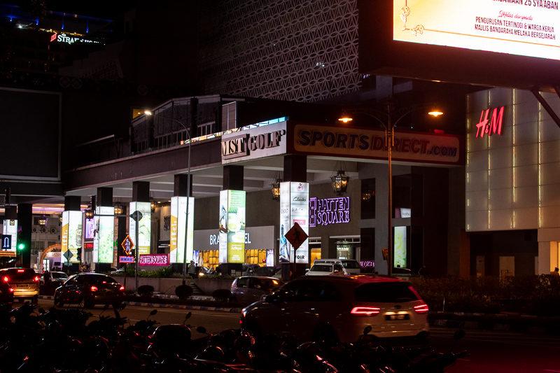 shopping malls in melaka