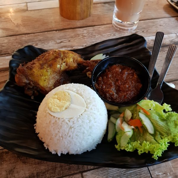 food at jom coffee