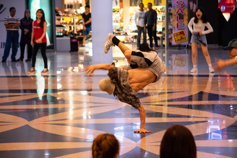 break dance dataran pahlawan SOPA