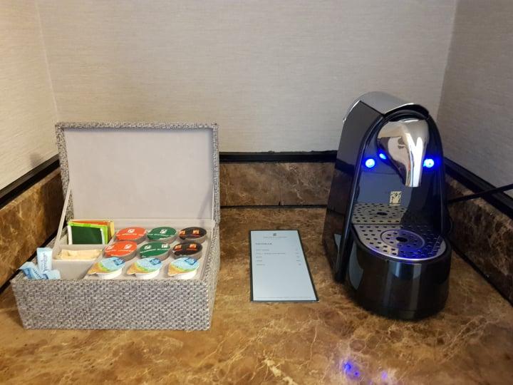 hotel room in ritz carlton kl